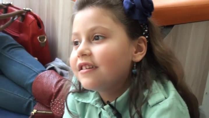 Chapeuzinho Vermelho contada por quatro crianças Santa Marienses