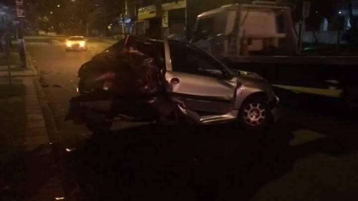 Motorista disputando racha atropela casal no Parcão