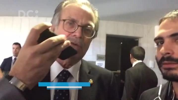 Dalírio Beber fala sobre a sessão do Senado que vota o processo de impeachment de Dilma Rousseff