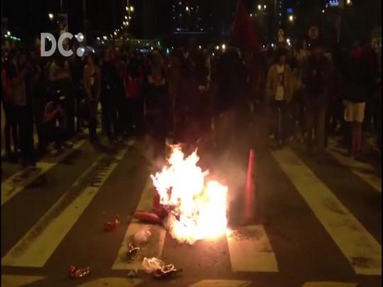 Manifestação contra Temer em Florianópolis encerra no Ticen