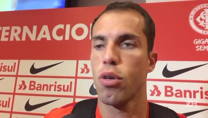 Lomba fala da torcida pela recuperação de Danilo Fernandes