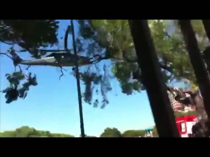 Helicópteros trazem vítimas para hospitais de Porto Alegre