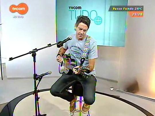 TVCOM Tudo Mais - Lúcio Brancato bate um papo com o músico Fernando Noronha sobre o lançamento de \'Time keeps rolling\'