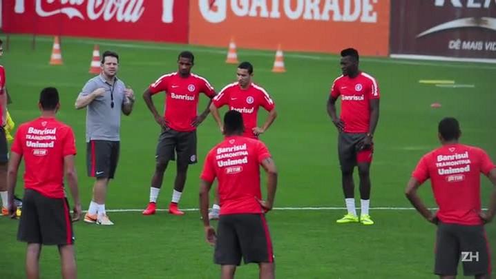 Argel comanda primeiro treino como técnico do Inter
