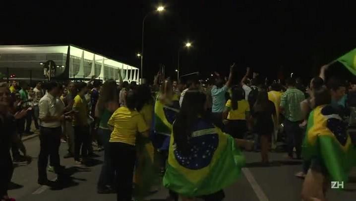 Segunda noite de manifestações em Brasília