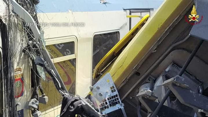 Colisão de trens deixa mortos na Italia