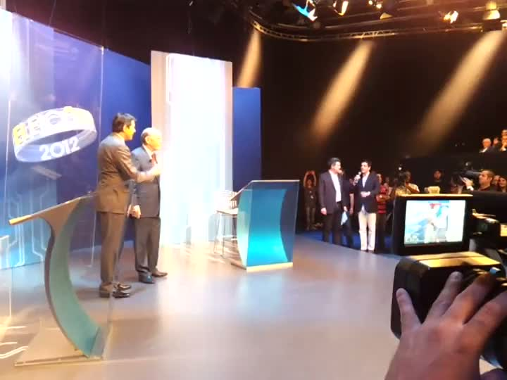 José Serra (PSDB) e Fernando Haddad (PT) chegam aos estúdios da Rede Globo para debate final