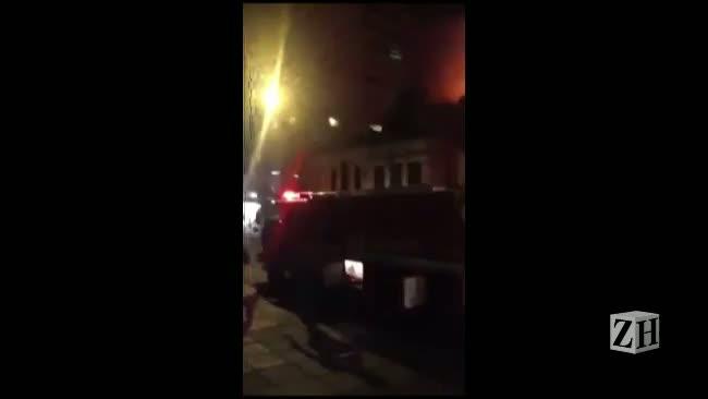 Incêndio no Cabaret: leitor registra movimentação em frente a casa noturna