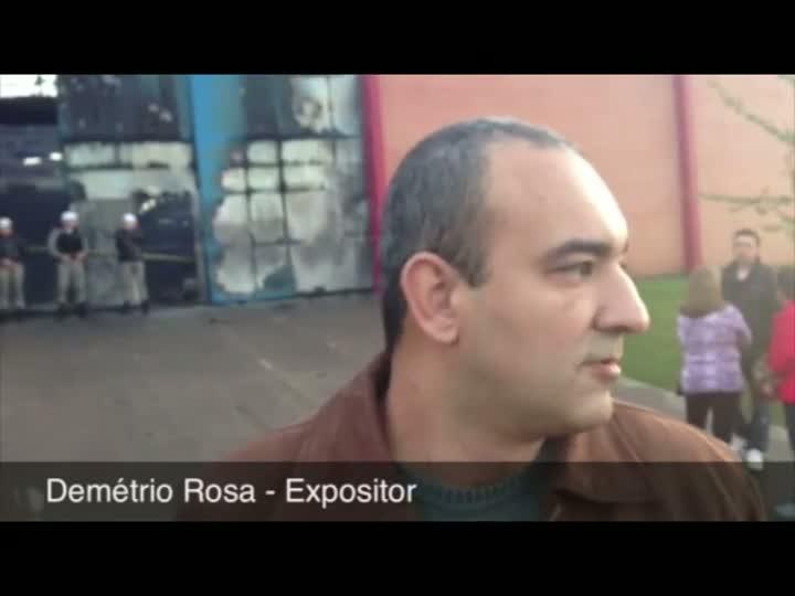 Expositor perdeu tudo no incêncio ocorrido na Fenac. 05/06/2013