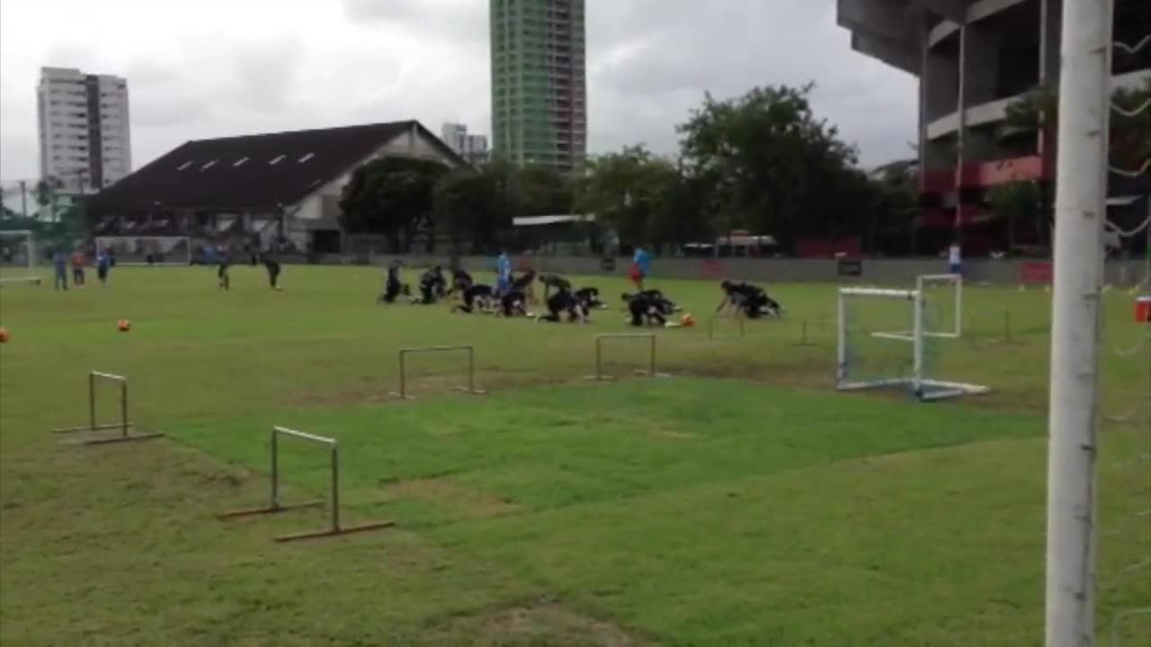 Grêmio inicia treino em Recife. 10/09/2013