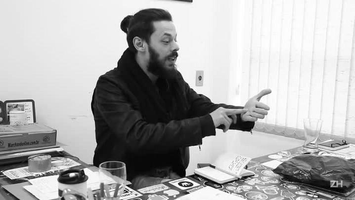 Humorista Nando Viana grava DVD em Porto Alegre