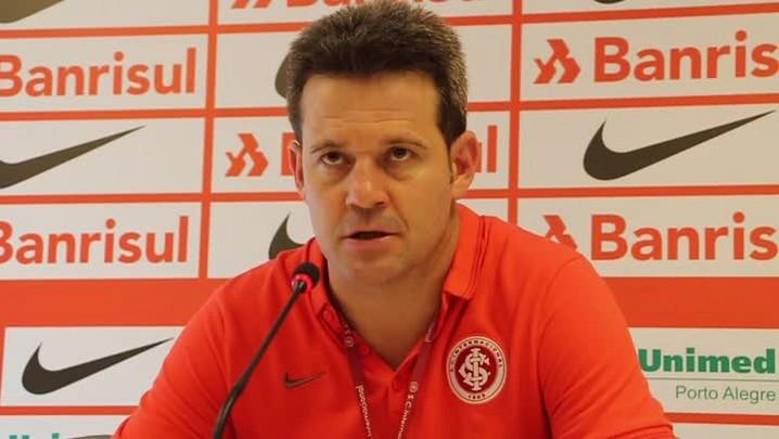 Argel confirma o time de domingo