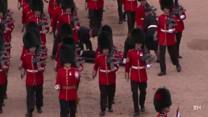 Soldados desmaiam