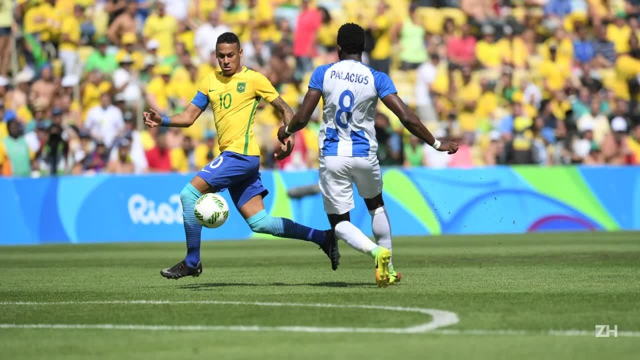 Brasil goleia e vai disputar ouro no futebol masculino