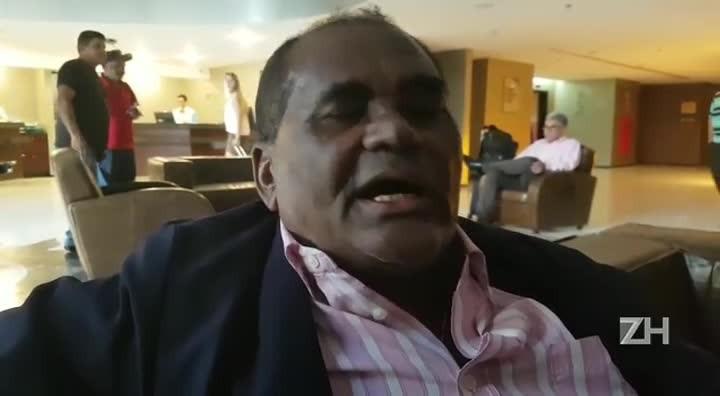 """Ex-atacante do Inter fala de momento do clube e alerta sobre Série B: \""""Se não trabalhar, não sobe\"""""""