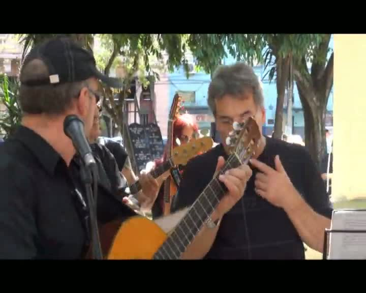 Encontro de bateristas movimenta o centro de Santa Maria