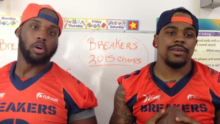 Aprenda com os jogadores do Jaraguá Breakers a pronunciar algumas palavras em inglês