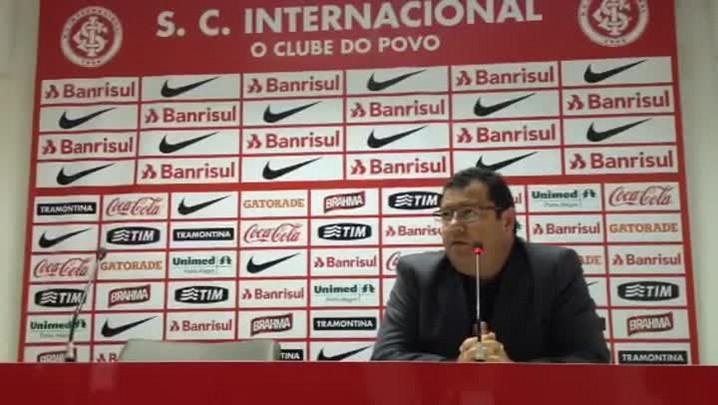 Pellegrini descarta negociação por Carlos Sánchez