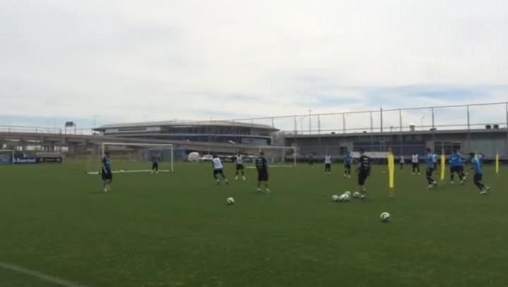 Grêmio faz treino de finalizações no CT