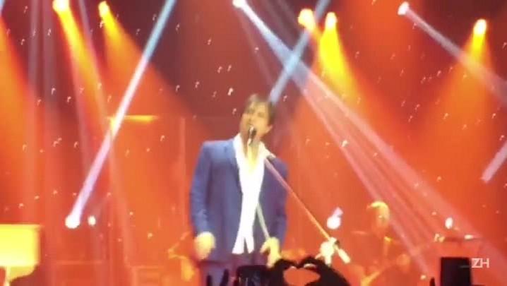 Fãs comentam interrupções no show de Roberto Carlos em Porto Alegre