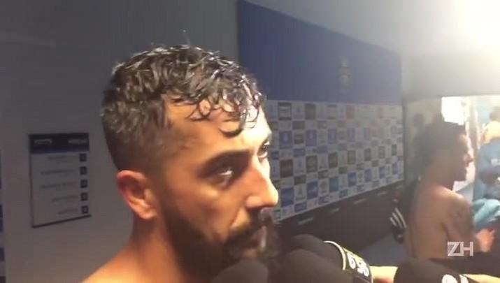 """Douglas lamenta gol, mas destaca \""""resultado bom\"""" do Grêmio"""