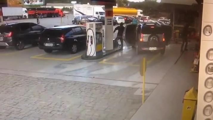 Assalto a posto de combustíveis em Camboriú