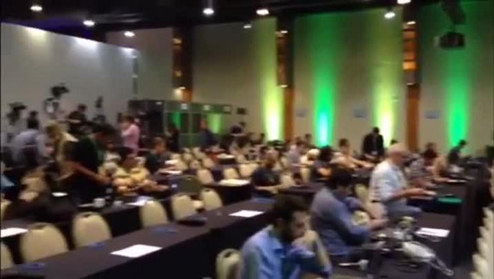Cerca de 300 jornalistas acompanham anúncio sobre situação de Curitiba para a Copa