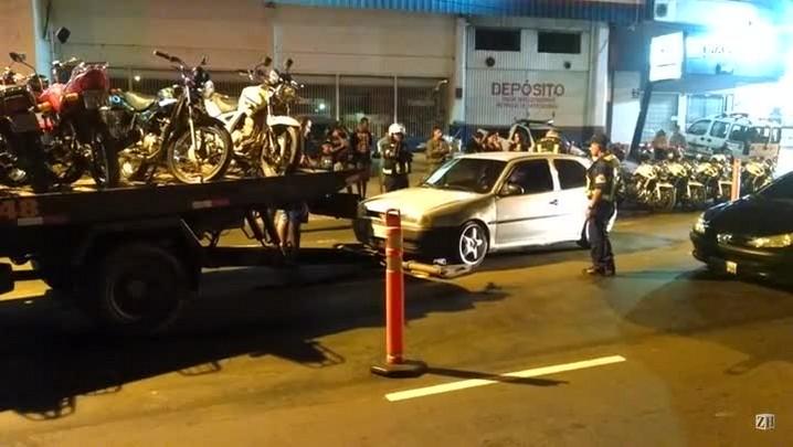 Operação flagra motoristas fazendo racha e carros veículos são recolhidos