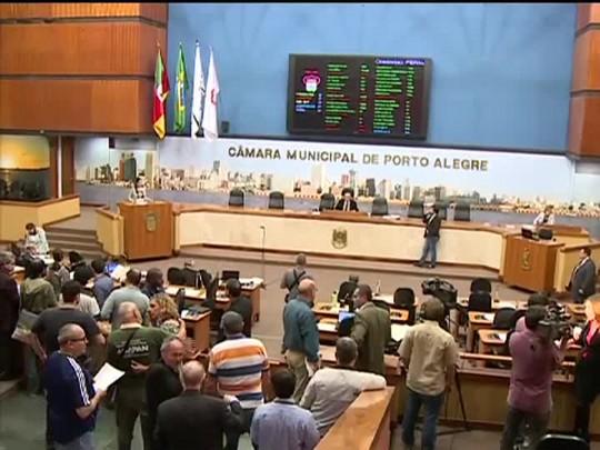 TVCOM 20 Horas - Vereadores de Porto Alegre votam nova lei das antenas de celular - Bloco 1 - 16/07/2014