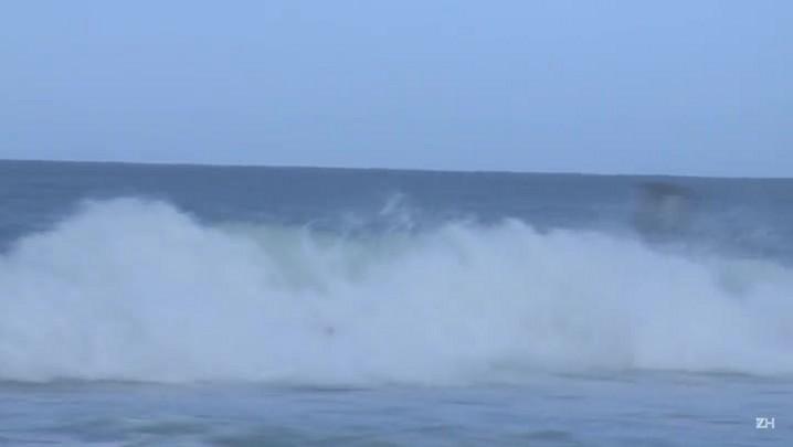 'Filipinho' conquista etapa do circuito mundial de surfe