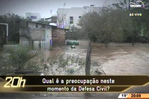 TVCOM 20 Horas - Chuva em SC: Entrevista coletiva com o secretário de Estado da Defesa Civil e o Governador de SC - 14.07.15