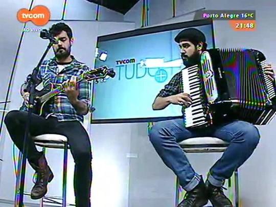TVCOM Tudo Mais - Dobradinha com Santo Cervejeiro e Esteban Tavares no palco do Tudo+