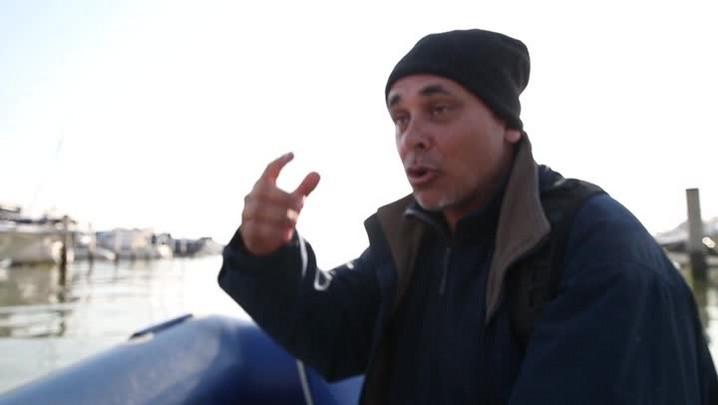 Argentino resgatado no mar de Santa Catarina conta o momento em que o raio atingiu o barco