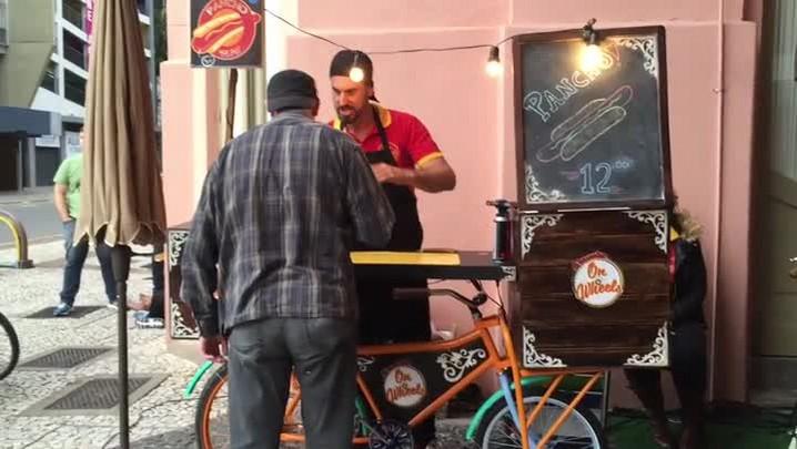 Conheça um pessoal que ganha a vida com food bike