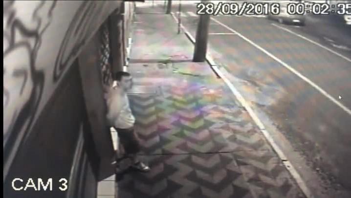 Câmera flagra ação de suspeito de matar taxista