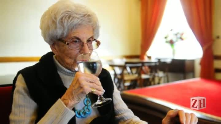 Eva Sopher: uma vida dedicada ao teatro