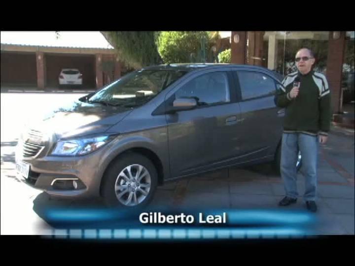 Carros e Motos - Lançamento: conheça o Prisma que vem com câmbio automático de seis marchas - Bloco 3 - 04/08/2013