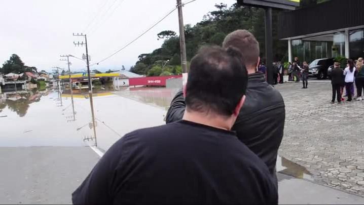Confira a atual situação de Rio Negrinho após forte chuva.