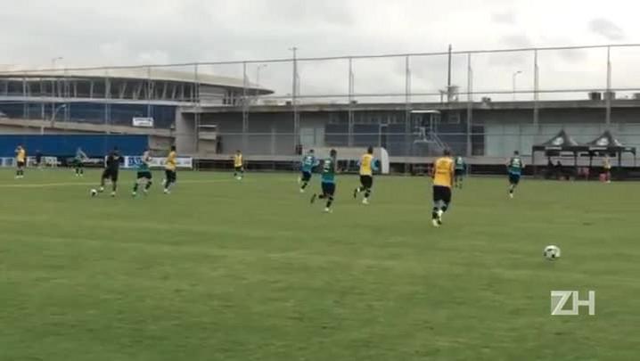 Grêmio faz trabalho de posse e construção de saída de jogo