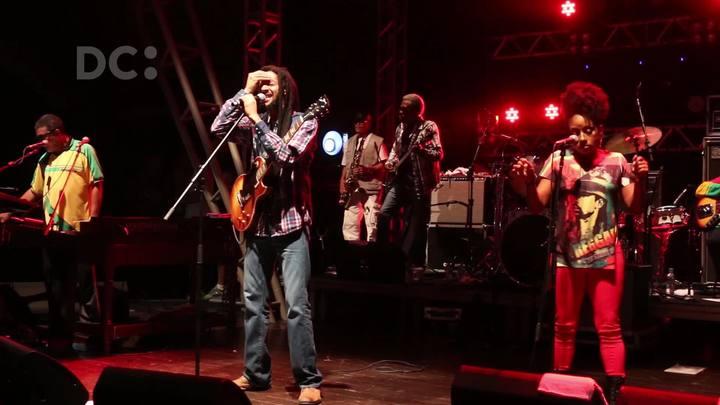 Julian, filho do rei do reggae Bob Marley, se apresenta em Florianópolis