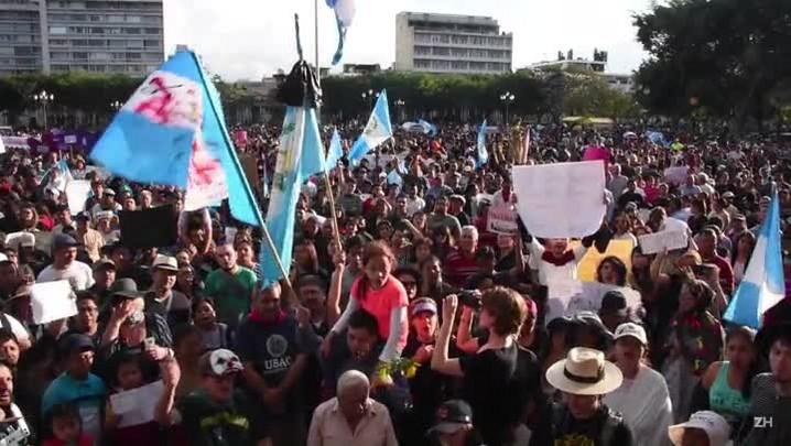 Sobe para 40 número de jovens mortas em incêndio na Guatemala
