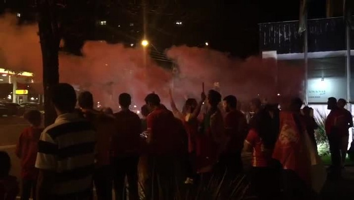 Torcida recebe delegação do Inter com festa em Londrina
