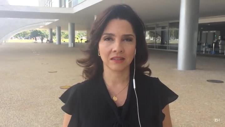 """Carolina Bahia: \""""Michel Temer cometeu um imenso equívoco ao chamar as Forças Armadas\"""""""