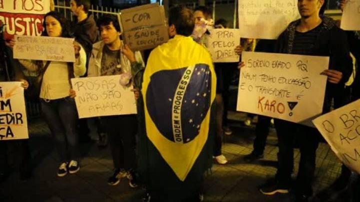 Jornalistas de ZH contam o que viram do protesto