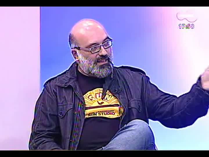 Programa do Roger - Cláudia Laitano e poeta premiado Marlon Almeida falam da Flip - bloco 2 - 10/07/2013
