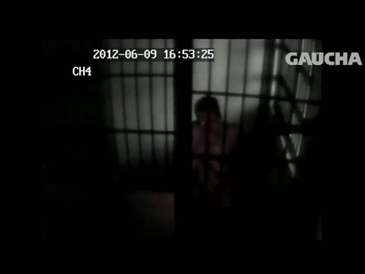 Vídeo reforça que idosa matou assaltante em Caxias do Sul. 27/08/2013
