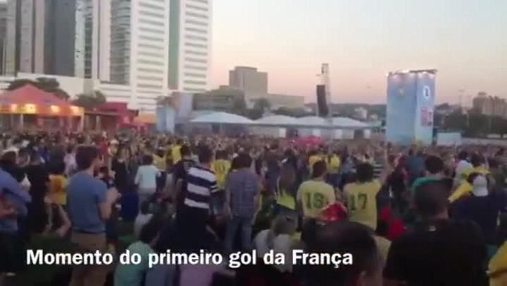 Chalé da Praça XV recebe torcida francesa para assistir ao jogo na Capital