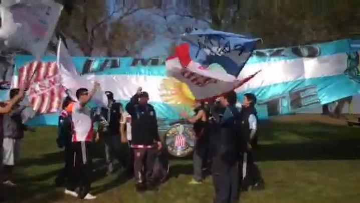 Argentinos fazem a festa em Porto Alegre. 24/06/2014