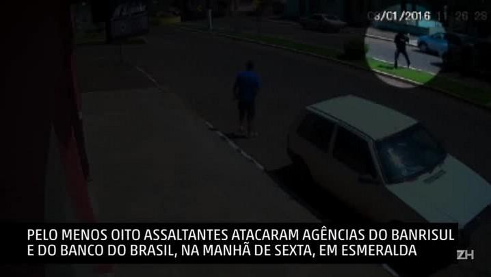 Câmera de segurança flagra ação de criminosos em Esmeralda