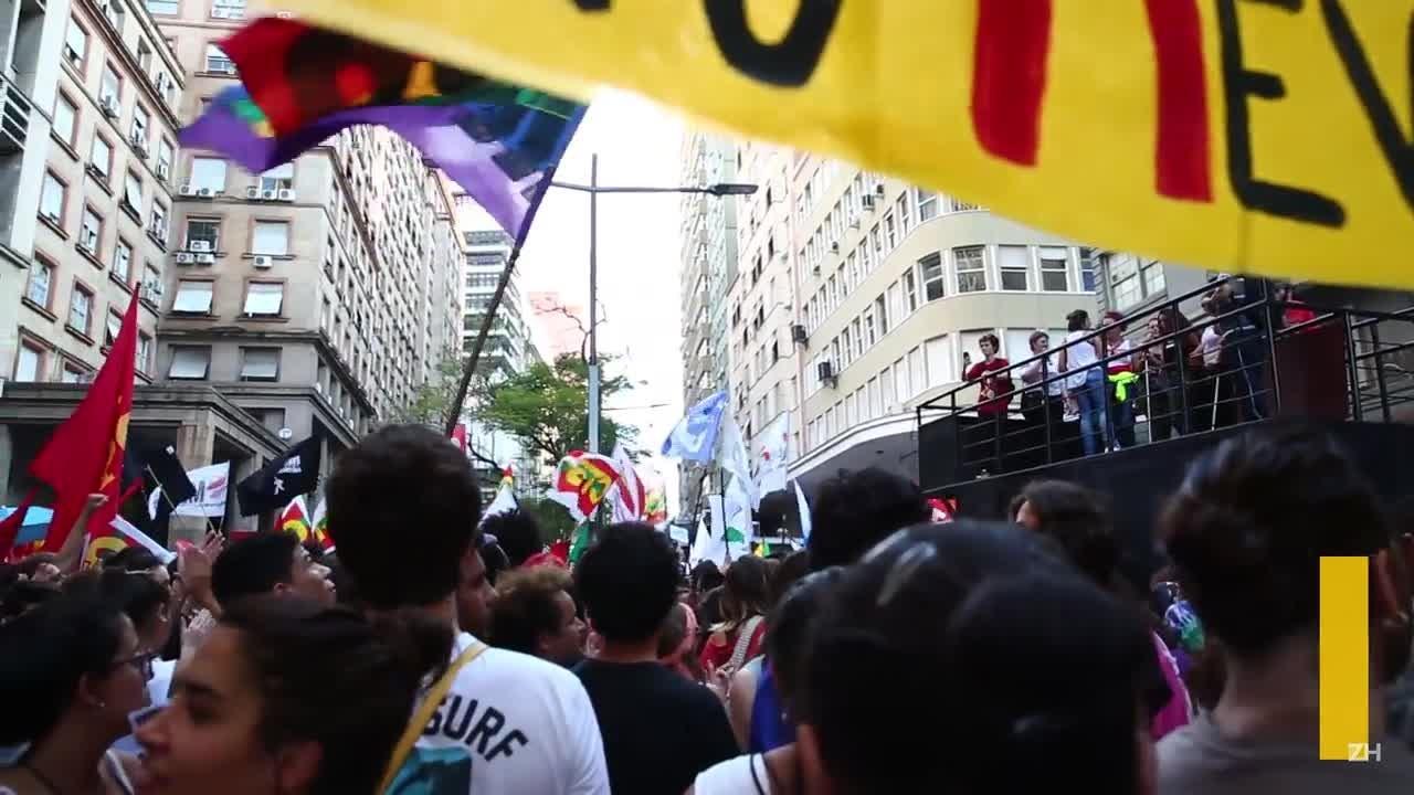 No Dia Nacional de Lutas, noite termina com protesto na Capital